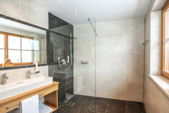 Zimmer & Ferienwohnungen in Obertauern – Hotel Weningeralm